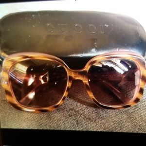 Gucci glasses with case